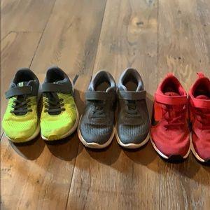 3 Pairs Under Armour/Nike boys shoes tie/velcro